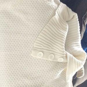 Large no boundaries short sleeve sweater